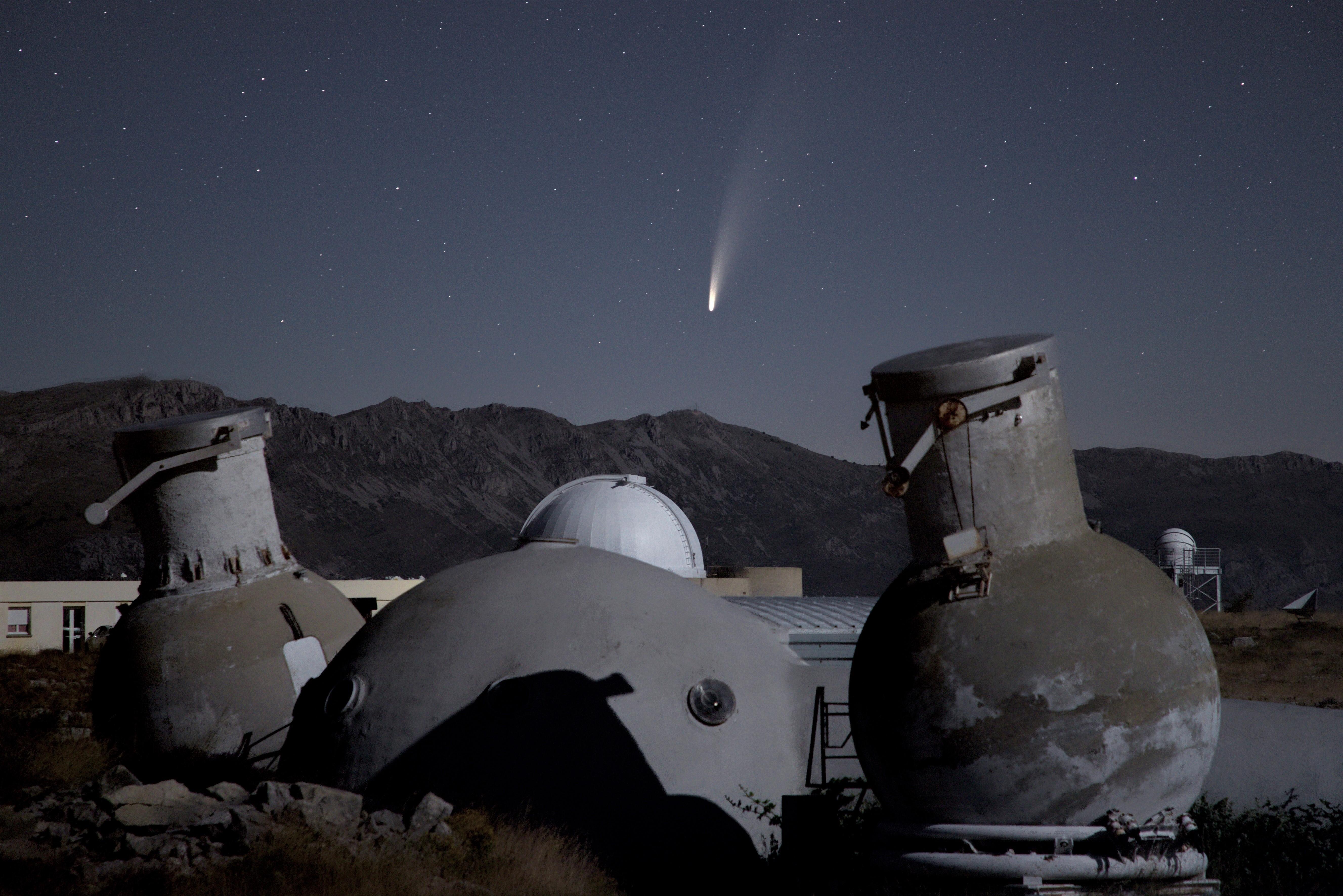 15 - COMETE NEOWISE